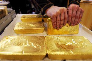 Giá vàng miếng nhích lên, USD tự do giảm nhẹ