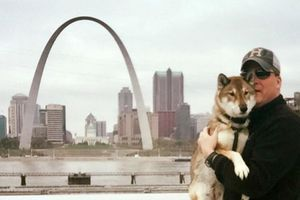 Thị trưởng Massachusetts đưa cún cưng bị ung thư chu du khắp nước Mỹ