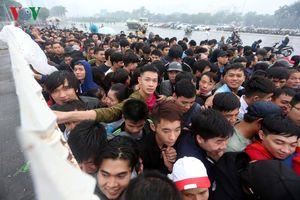 Sốt vé ĐT Việt Nam tại AFF Cup 2018: Tình yêu hay tâm lý số đông?