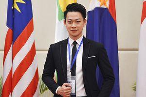 Không chỉ đẹp như nam thần, chàng trai Hà Nội còn giành học bổng danh giá bậc nhất châu Âu