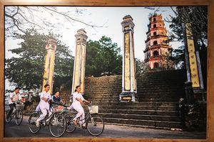 Hình ảnh chùa Việt Nam bình dị qua lăng kính nhiếp ảnh gia người Pháp