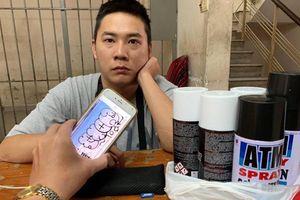 TP.HCM: Bắt quả tang du khách nước ngoài vẽ bậy lên tường ở khu phố Tây Bùi Viện