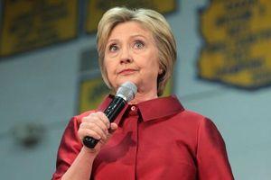 Texas đổi quyết định xóa tên bà Hillary khỏi sách lịch sử