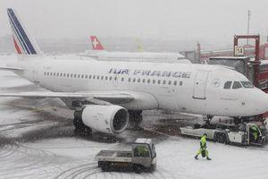 Khách bay từ Paris đến Thượng Hải, mắc kẹt 3 ngày 'ác mộng' ở Nga