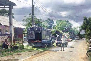 Kiểm lâm nổ súng bắt xe chở gỗ, 4 người bị thương lúc xô xát
