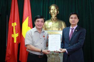 Tổng LĐLĐVN: Trao Quyết định bổ nhiệm Chủ tịch CĐ Viên chức VN cho Phó Chủ tịch Tổng LĐLĐVN Ngọ Duy Hiểu