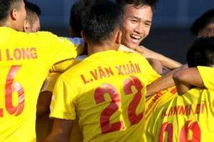 HLV U21 Hà Nội đòi rút thẻ đỏ đuổi học trò vì đá láo