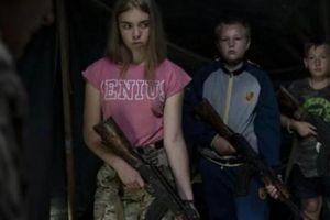Lạnh gáy cảnh trại hè Ukraine dạy trẻ em 'nhắm người Nga mà bắn'