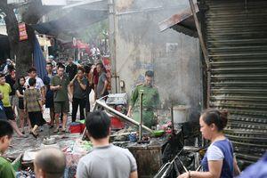 'Bà hỏa' ghé thăm, quán phở chợ Bưởi cháy ngùn ngụt