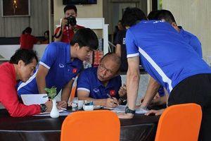 Đội tuyển Việt Nam họp kín điểm mặt hung thần Malaysia tại AFF Cup 2018