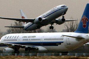 Hai máy bay chạm trán trên đường băng tại Hồng Kông