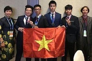 Gương mặt xuất sắc của Đoàn học sinh dự thi Olympic Thiên văn học, Vật lý thiên văn