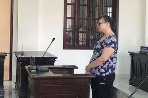 Bảo mẫu bạo hành bé gái 5 tuổi ngất xỉu khi tòa tuyên