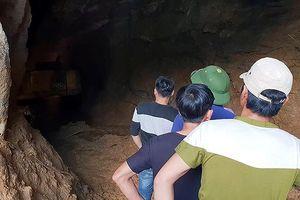 Tìm thấy thi thể phu vàng thứ 2 kẹt trong hang ở Hòa Bình