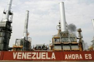 Sản lượng dầu của Venezuela tiếp tục tuột dốc không phanh