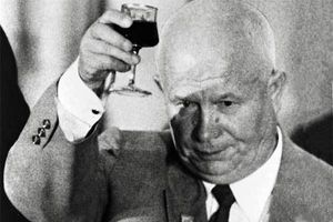 Ngày này năm xưa: Liên Xô thách Mỹ 'thi bắn tên lửa'