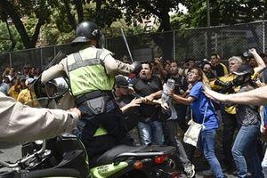 Đằng sau việc thành lập lực lượng cảnh sát di cư ở Venezuela
