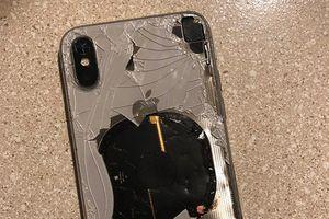 iPhone X bất ngờ phát nổ trong quá trình cập nhật iOS 12.1