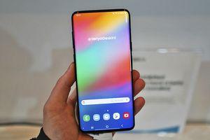 Đây có thể là thiết kế của Samsung Galaxy S10 mà chúng ta vẫn ngày đêm trông đợi