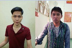 Bị phát hiện khi đeo chiếc balo có biểu hiện nghi vấn, 2 tên cướp dùng bình xịt hơi cay tấn công cảnh sát ở Sài Gòn