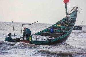 Dự báo thời tiết ngày 15/11: Vùng biển Bình Thuận đến Cà Mau, khu vực Nam Biển Đông có mưa dông