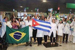 Cuba tuyên bố ngừng chương trình hợp tác y tế với Brazil