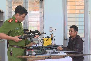 Triệt phá xưởng chế tạo hàng loạt súng khủng tại nhà ở Đắk Lắk