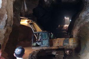 Thông tin mới nhất vụ cứu hộ người bị vùi lấp do sập hầm vàng trái phép ở Hòa Bình