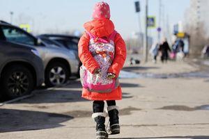 Bị người lạ dụ dỗ bằng kẹo ngọt, bé gái 3 tuổi bị bắt cóc, cưỡng bức rồi sát hại