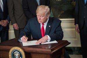 Mỹ tiếp tục gia tăng cấm vận Cuba