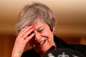 Đằng sau hàng loạt lá đơn từ chức của các bộ trưởng Anh vì Brexit