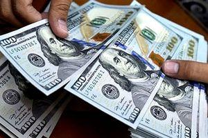 Tỷ giá trung tâm giảm liền 3 phiên, thị trường tự do giảm mạnh giá mua - bán USD