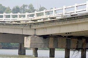 Quảng Nam: Hơn 15 nghìn người dân mỏi mòn chờ cầu mới