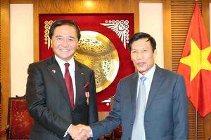 Bộ trưởng Nguyễn Ngọc Thiện tiếp Thống đốc tỉnh Kanagawa, Nhật Bản