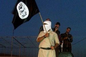 Phát hiện sốc: IS được trả vàng bạc để bắn máy bay và tấn công hóa học