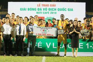 Giữa 'cơn sốt' AFF Cup 2018, FLC tuyên bố bỏ bóng đá