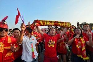 Mỹ Đình rực màu cờ Tổ quốc trước trận Việt Nam gặp Malaysia