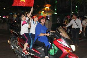 Clip Việt Nam - Malaysia 2-0: Chiến công trọn vẹn cho chủ nhà