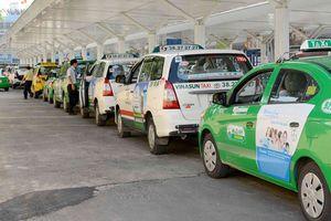 Thừa nhận 'đuối thế' trước Grab, một doanh nghiệp Việt rút khỏi ngành taxi