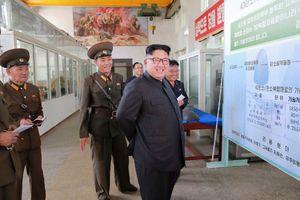 Ông Kim Jong-un thị sát thử nghiệm vũ khí công nghệ cao