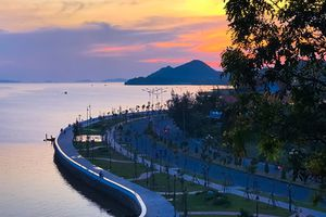Hà Tiên - thành phố lạ lùng