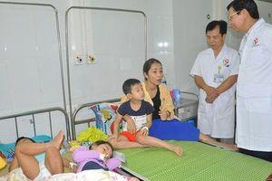 188 trẻ mầm non và 3 cô giáo ở Hà Nội nhập viện sau bữa liên hoan