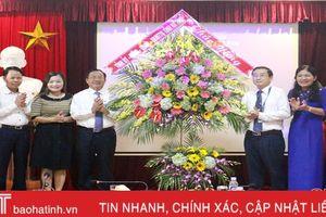 Lãnh đạo Hà Tĩnh chúc mừng ngày Nhà giáo Việt Nam 20/11