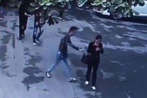 Hà Nội: Trắng trợn cướp hồ sơ đấu giá tại trụ sở UBND huyện