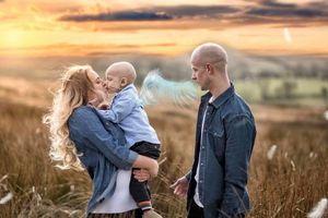 Em bé ung thư xin lỗi mẹ trước khi qua đời