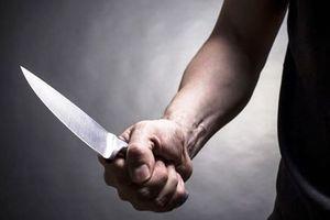 Đòi quà người yêu cũ không thành, thanh niên đâm 'tình địch' tử vong