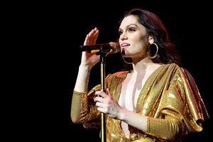 Jessie J chia sẻ nỗi đau khó sinh con sau 4 năm giấu kín