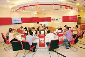 CEO HDBank Nguyễn Hữu Đặng đăng ký mua vào 500.000 cổ phiếu HDB