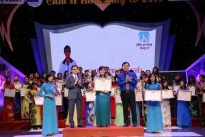 Tuyên dương 48 thầy cô dạy học sinh khuyết tật