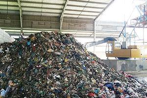 Vì sao hai nhà máy xử lý rác ở miền Tây ngưng hoạt động?